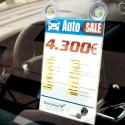 Porte-affichette pour véhicule